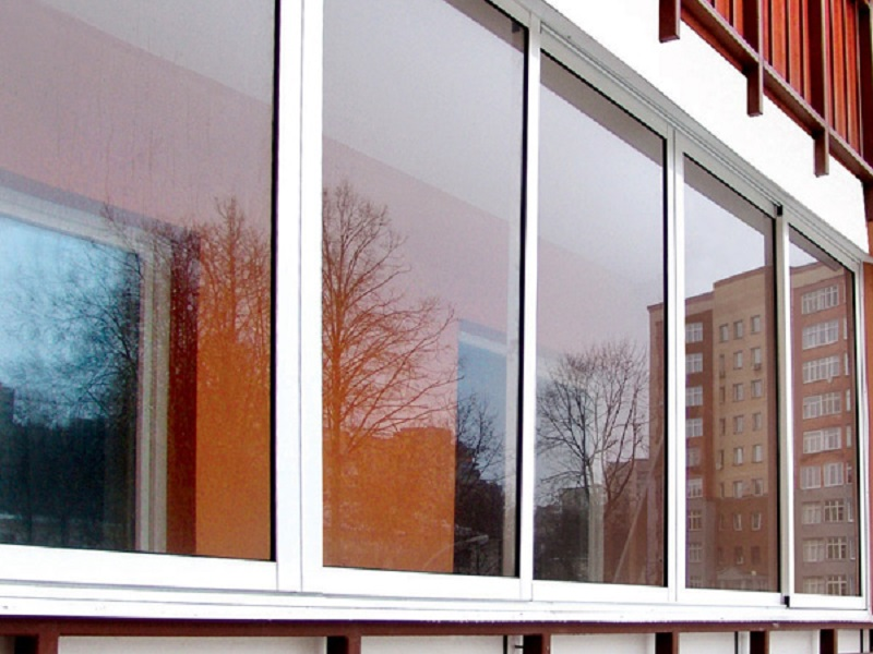 Остекление балконов недорого
