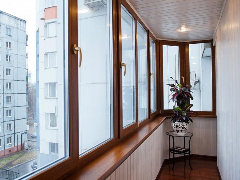 Окна на балконе под ключ
